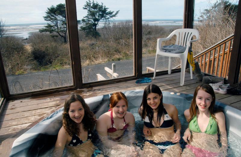 Hot tub at Retreats & Reunions R&R House.