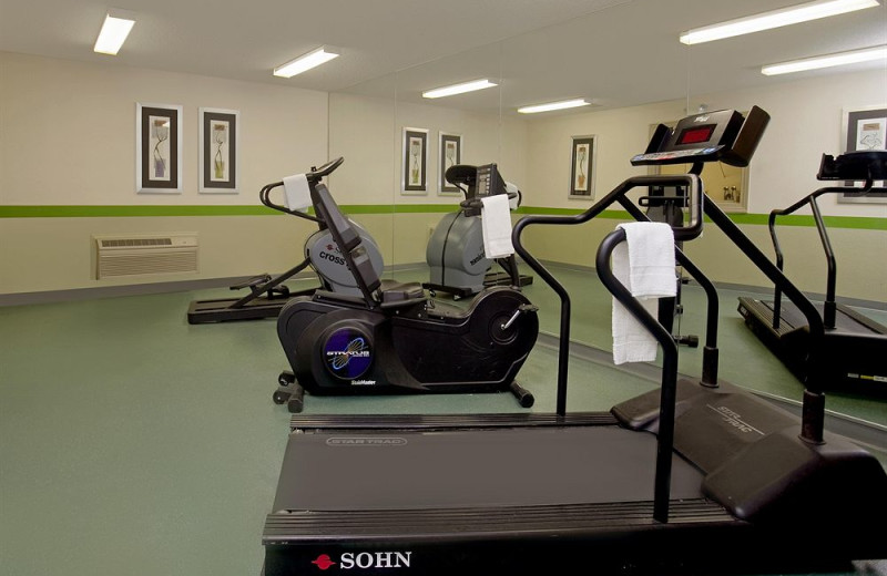 Fitness room at Extended Stay Deluxe San Antonio - Colonnade.