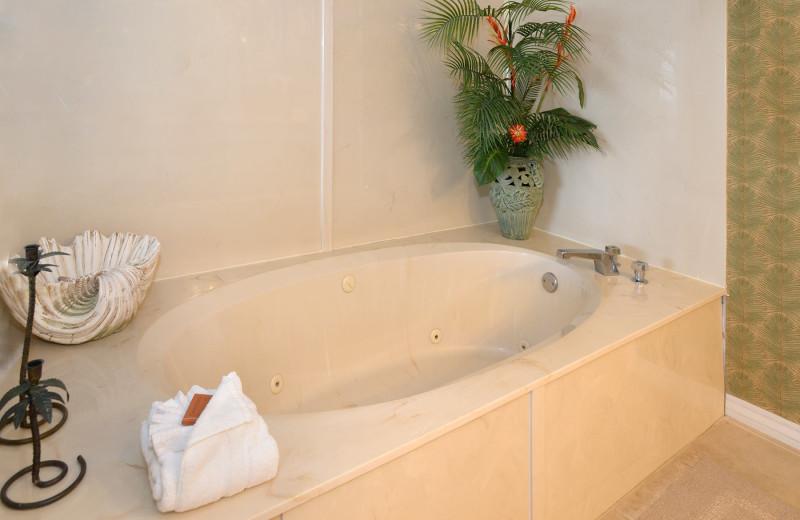 Guest bathroom at Nautilus Condominiums.