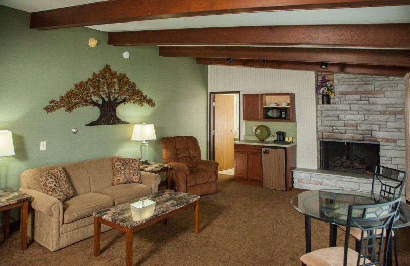 Guest living nroom at Evergreen Resort.