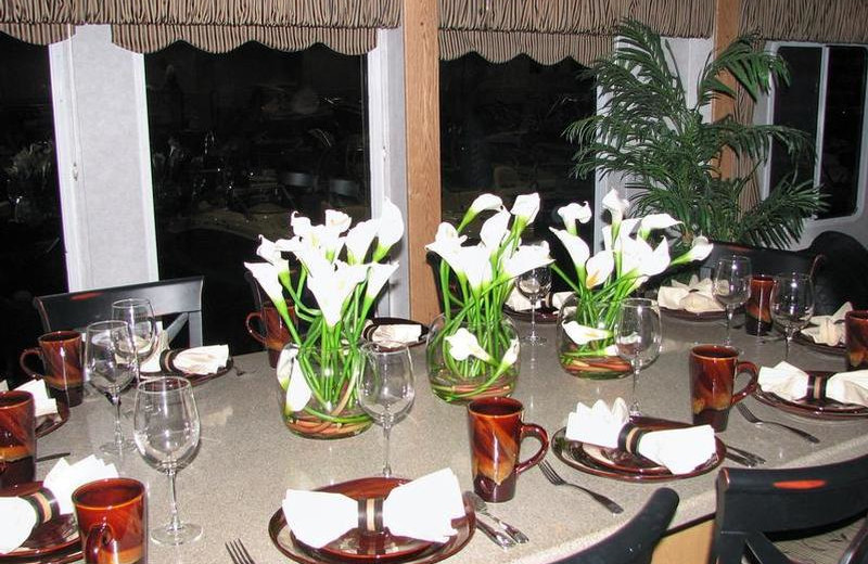 The 70' Eagle houseboat dining table at Lake Oroville.