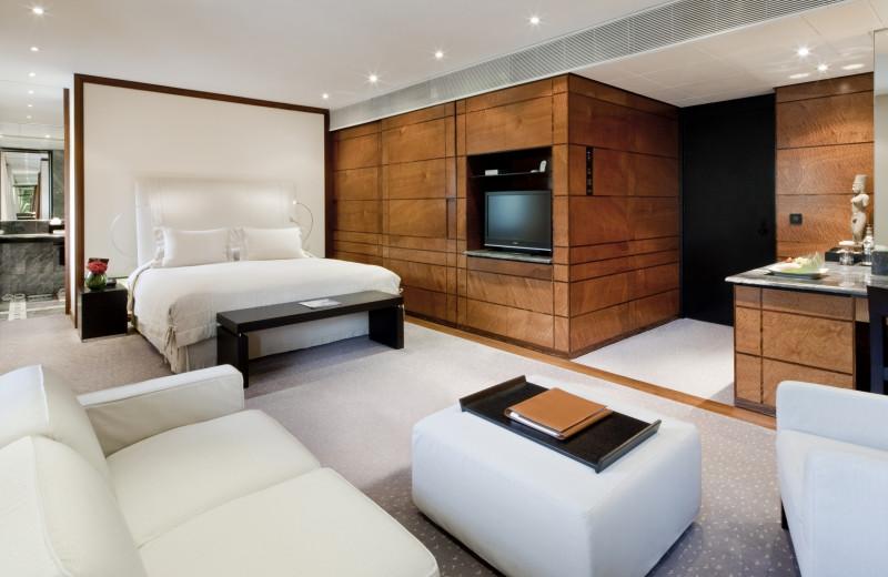 Guest room at Halkin.