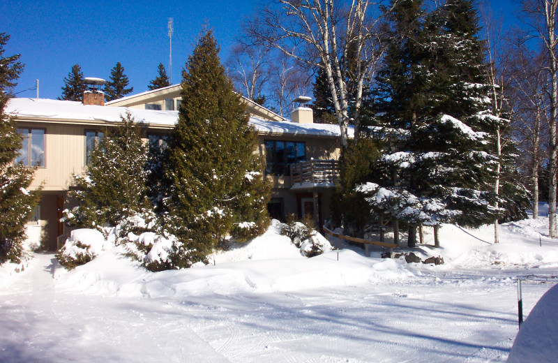 Winter at Thomsonite Beach Inn & Suites.