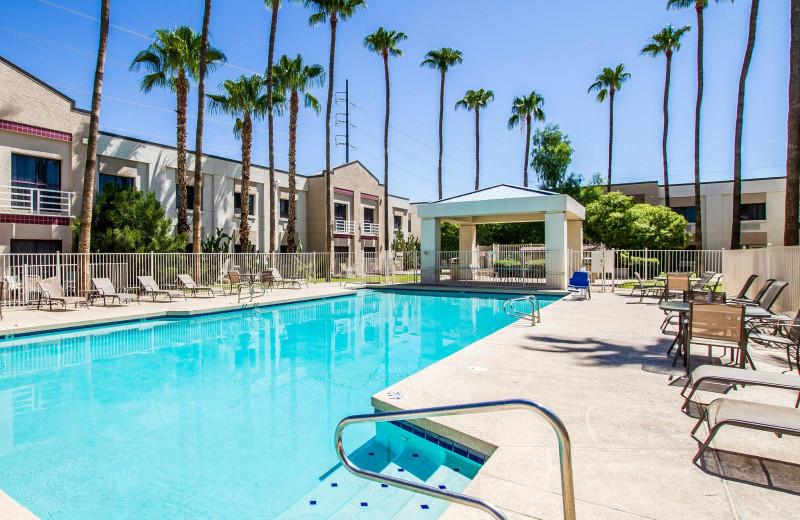 Outdoor pool at Park Plaza Phoenix North.
