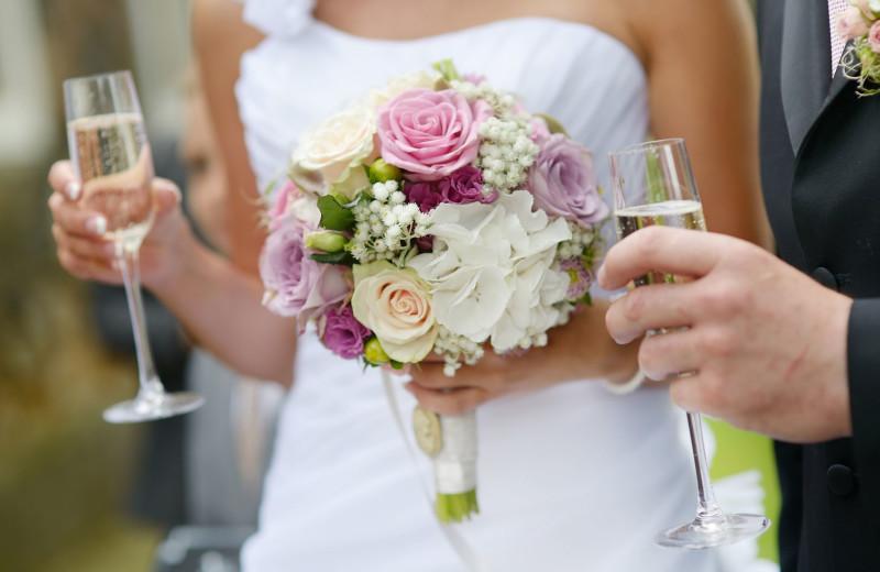Weddings at Lord Camden Inn.
