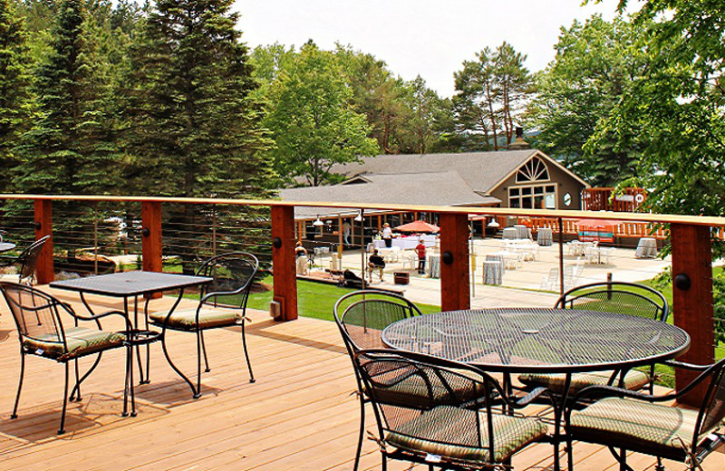 Outdoor dining at Sojourn Lakeside Resort.