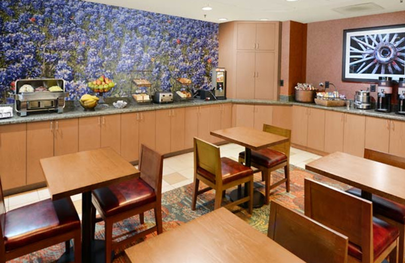Breakfast at SpringHill Suites by Marriott Fort Worth University.
