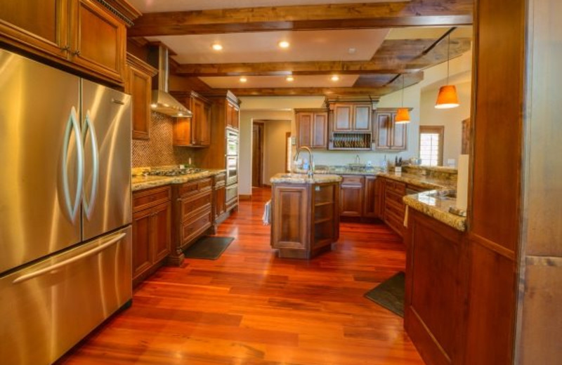 Cabin kitchen at Family Time Vacation Rentals.