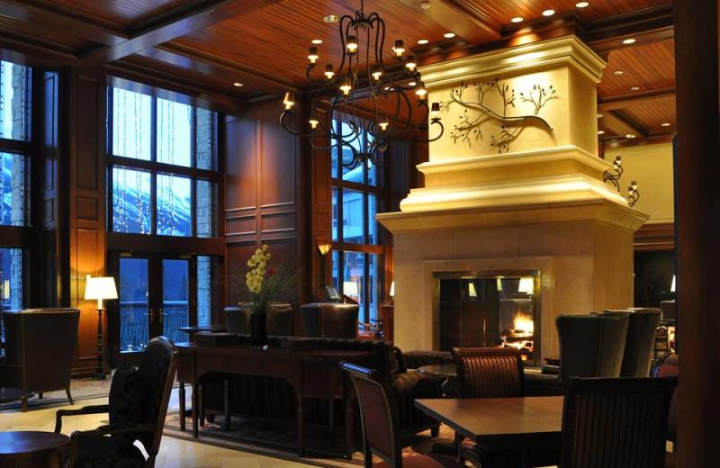 Larkspur Lounge at The Rimrock Resort Hotel