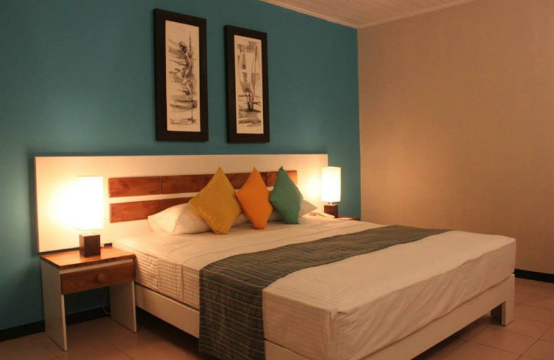 Guest room at Baybeach Weligama.