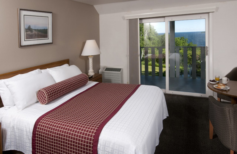 Queen Water View room at the Country House Resort.