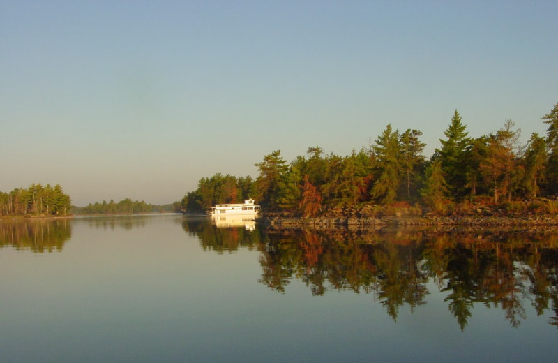 The lake at Rainy Lake Houseboats.