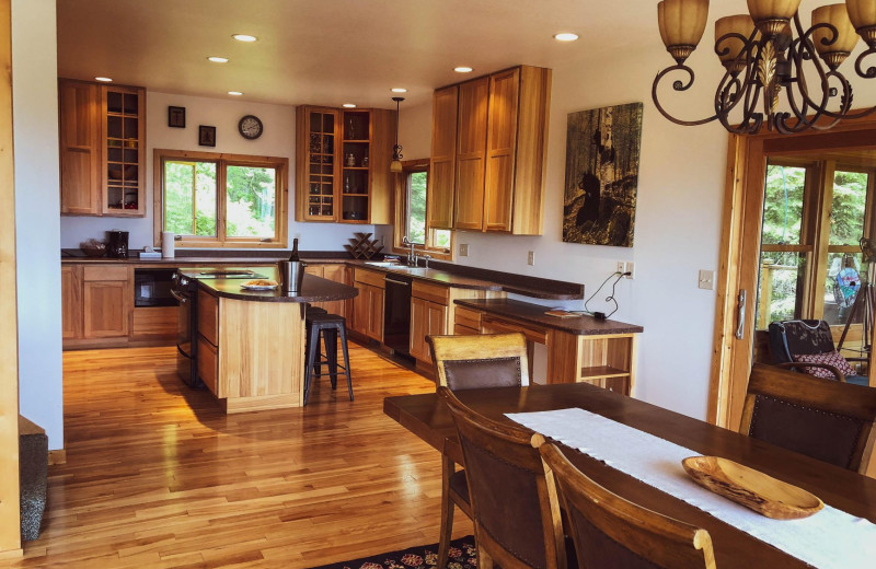 Guest kitchen at Cascade Lodge.