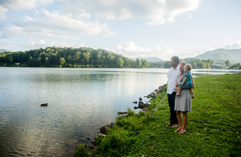 A family takes in the beauty of Lake Junaluska.