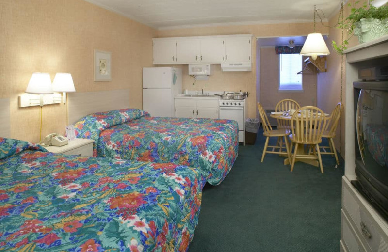 Guest room with kitchenette at Shangri La Motel.