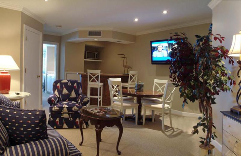 Guest living room at The Geneva Inn.