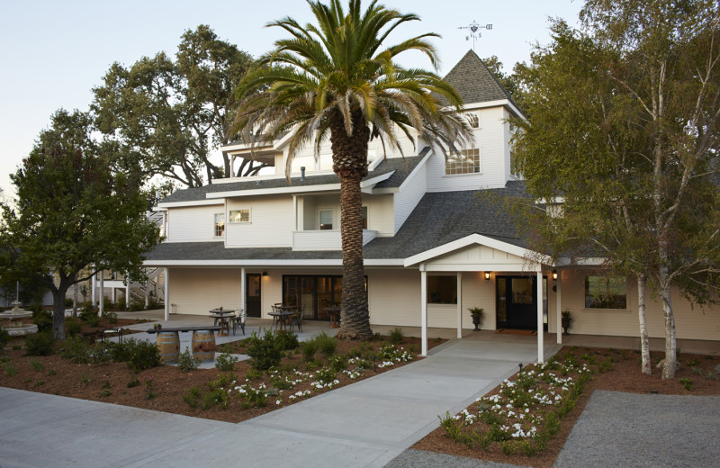 The SummerWood Inn, located in Paso Robles Wine Country on the scenic Central Coast of California.