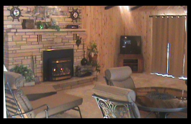Guest living room at Winter-Sett Resort.