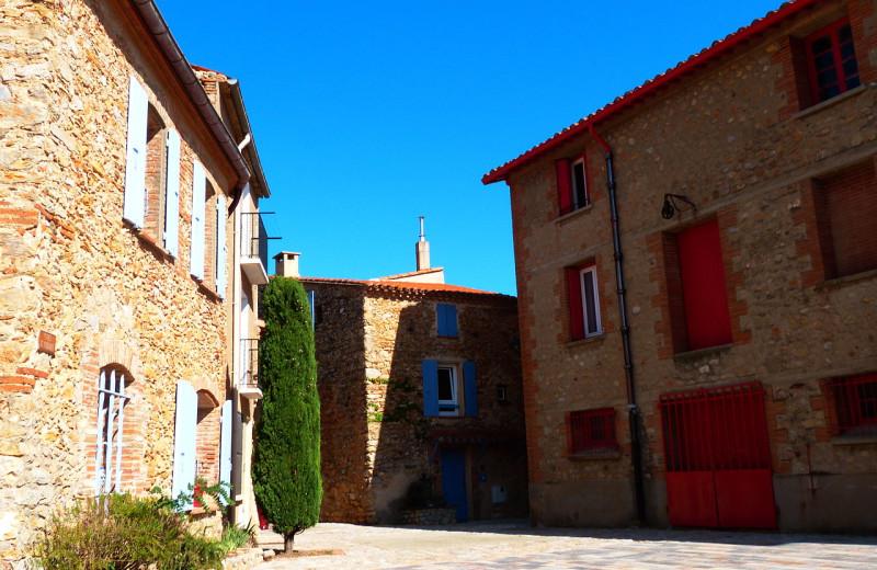 Court yard near Sainte Colombe de la Commanderie.