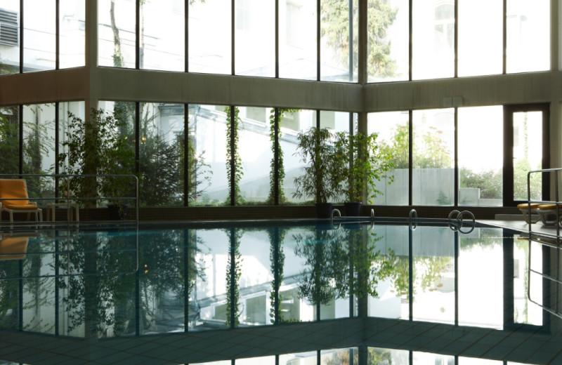 Indoor pool at Steigenberger Bad Neuenahr.