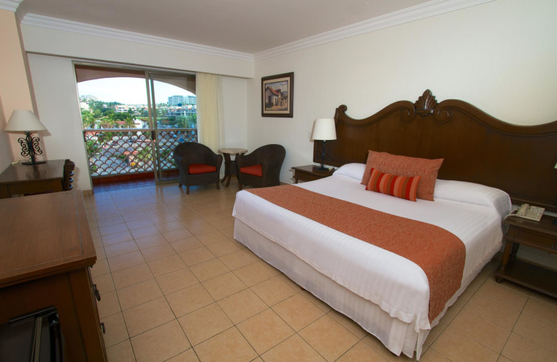 Guest room at Royal Solaris - Los Cabos.
