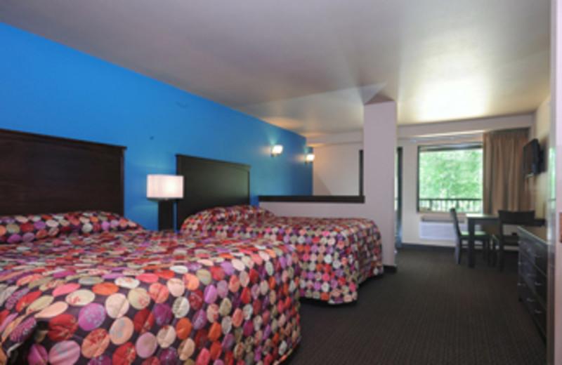 Guest bedroom at Baker's Sunset Bay Resort.