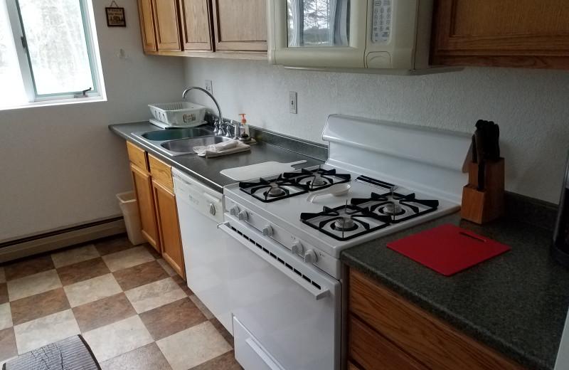 Guest kitchen at Big Bear Adventures.