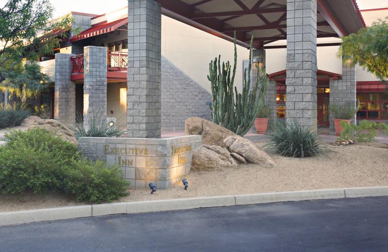 Exterior view of Thunderbird Executive Inn & Conference Center.