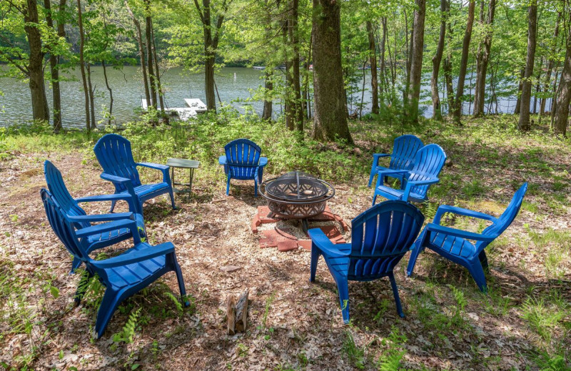 Rental fire pit at Railey Vacations.