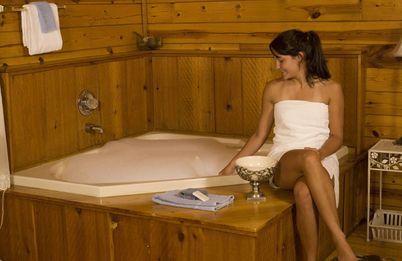 Cabin jacuzzi at Buffalo River Outfitters.