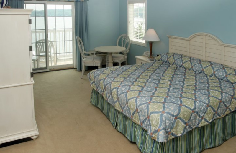 Guest room at Bay Pointe Inn.