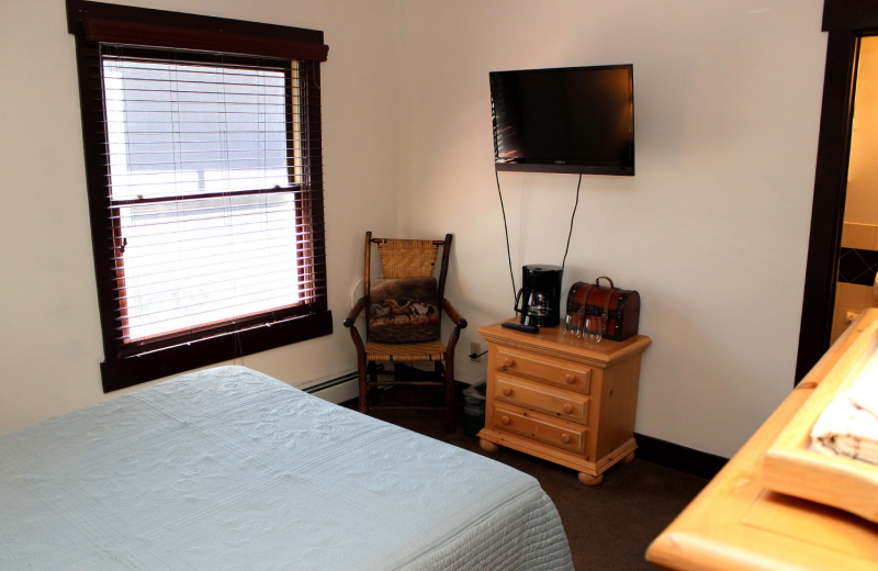 Guest bedroom at Marys Lake Lodge.