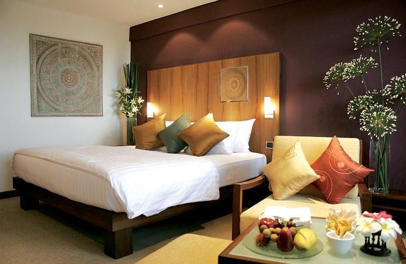 Guest room at Amari Rincome Hotel.