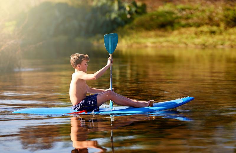 Kayaking at Nitschke's Northern Resort.