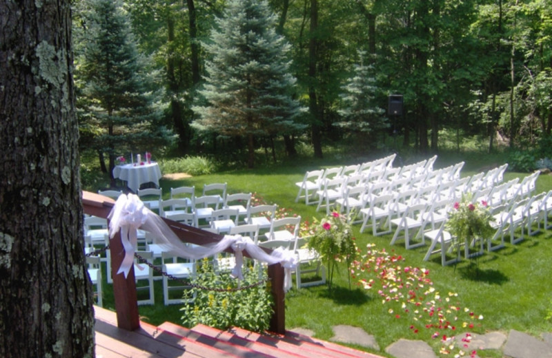Wedding at Glenlaurel, A Scottish Inn