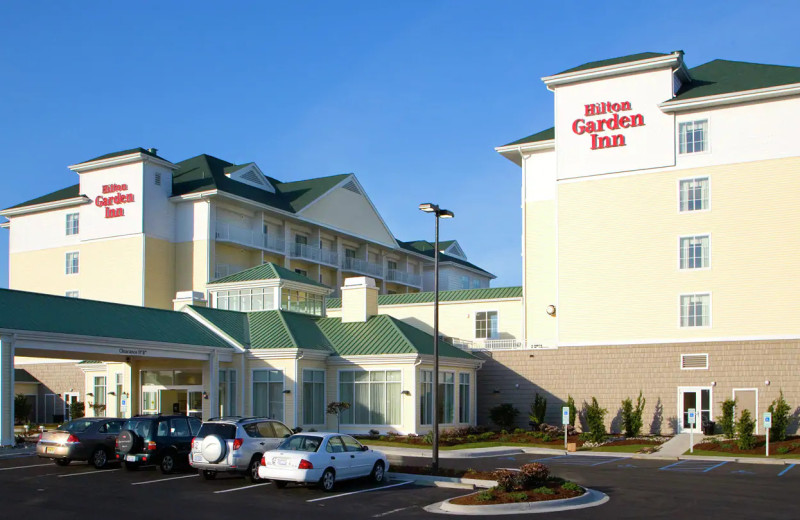 Exterior view of Hilton Garden Inn Outer Banks/Kitty Hawk.