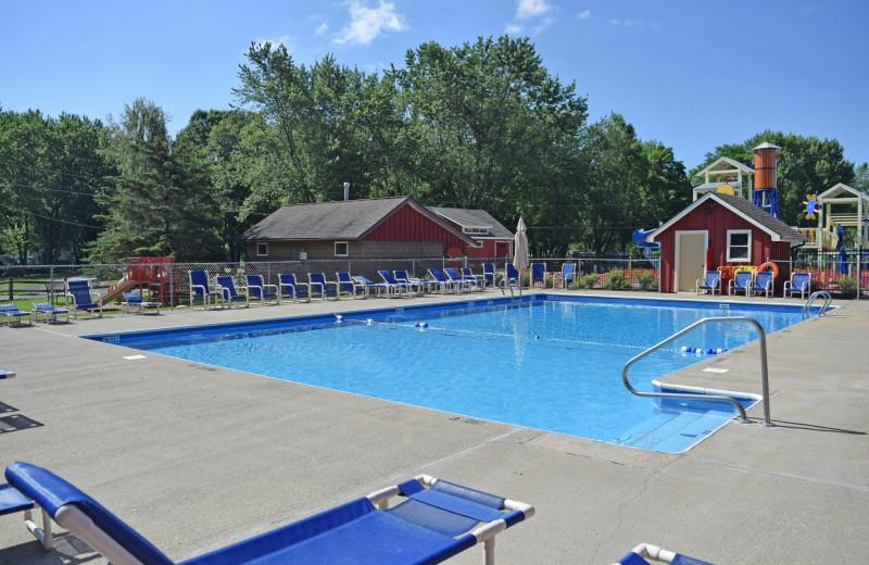 Pool at Yogi Bear's Jellystone Park™ Camp-Resort in Gardiner, NY.