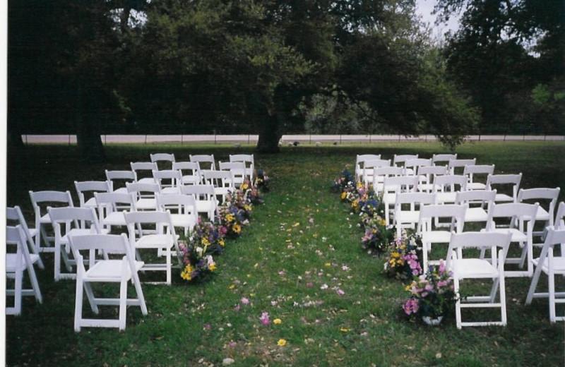 Wedding Ceremony at Full Moon Inn