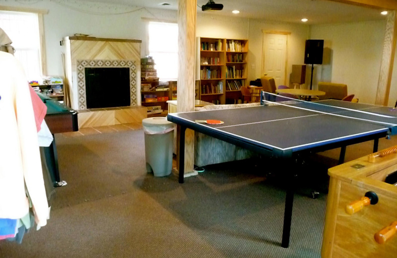 Game room at Anderson's Starlight Bay Resort.