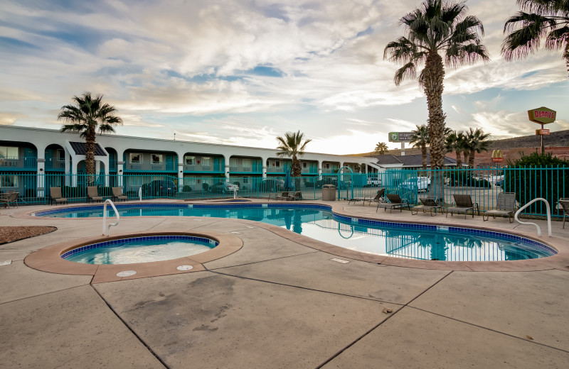 Outdoor pool at St. George Inn.