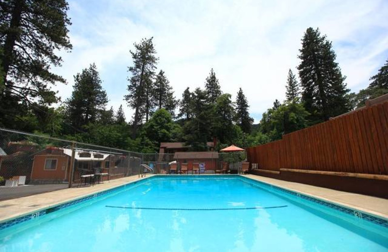 Outdoor Swimming Pool at Sleepy Hollow Cabins & Hotel