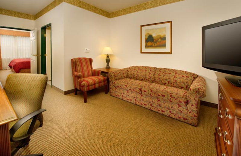 Suite living room at Country Inn & Suites Chambersburg.