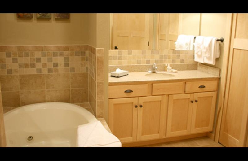 Condo bathroom at Northernaire Resort.