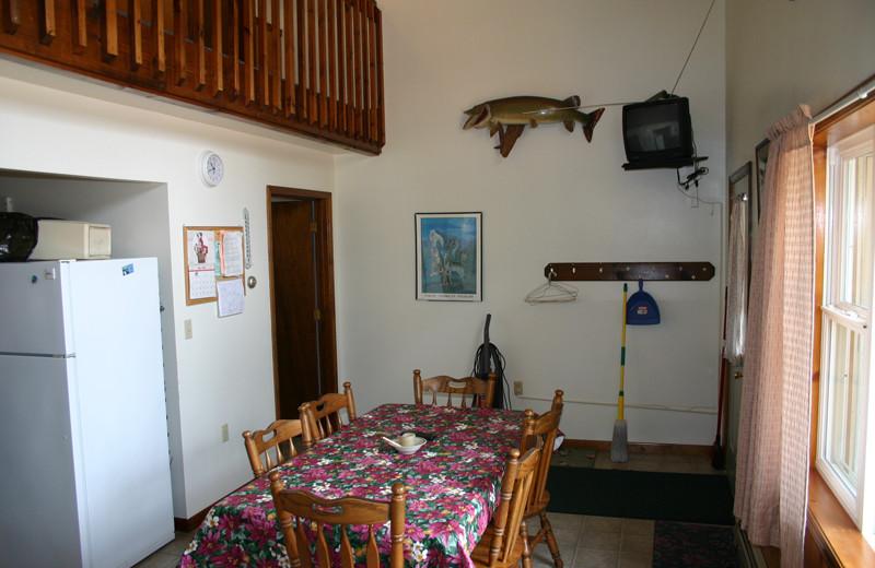 Cabin dining room at Wind Drift Resort.