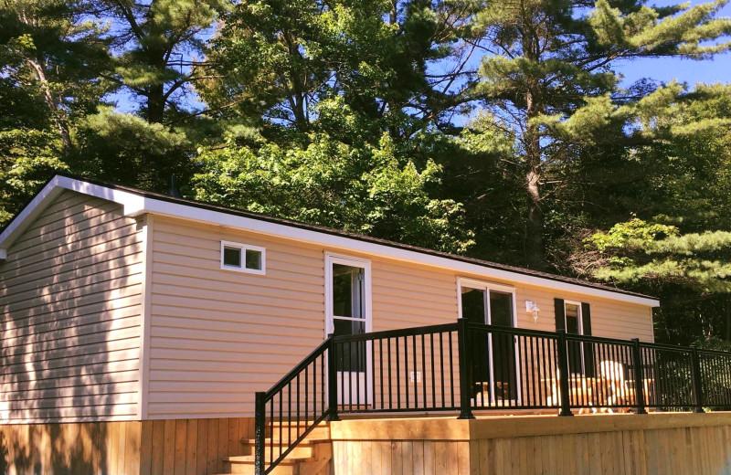 Cabin exterior at Bonnie Lake Resort.