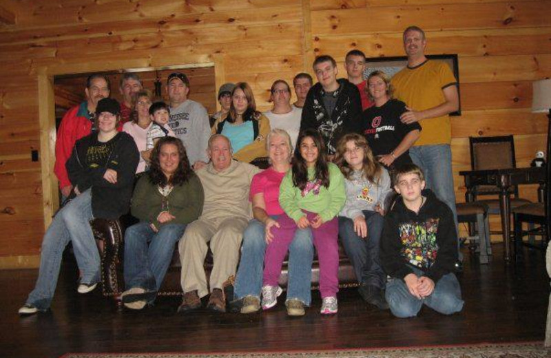 Family reunions at Cabin Fever Vacations.