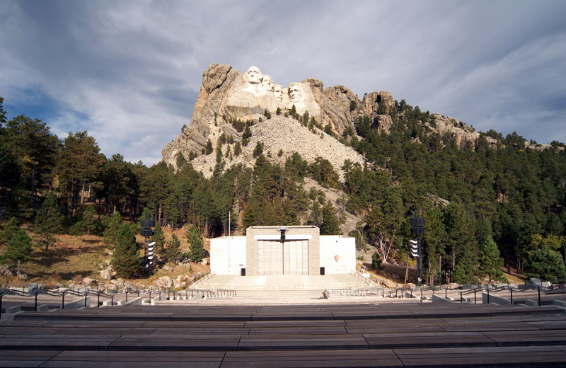 Mount Rushmore near Silver Mountain Resort and Cabins.