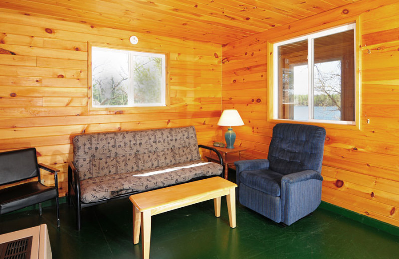 Guest living room at Whitefish Bay Camp.