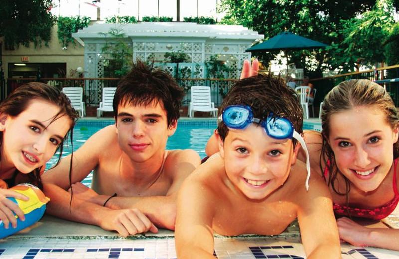 Swimming fun at Cairn Croft Best Western Plus Hotel