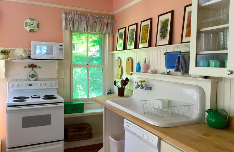 Cottage kitchen at Watervale Inn.